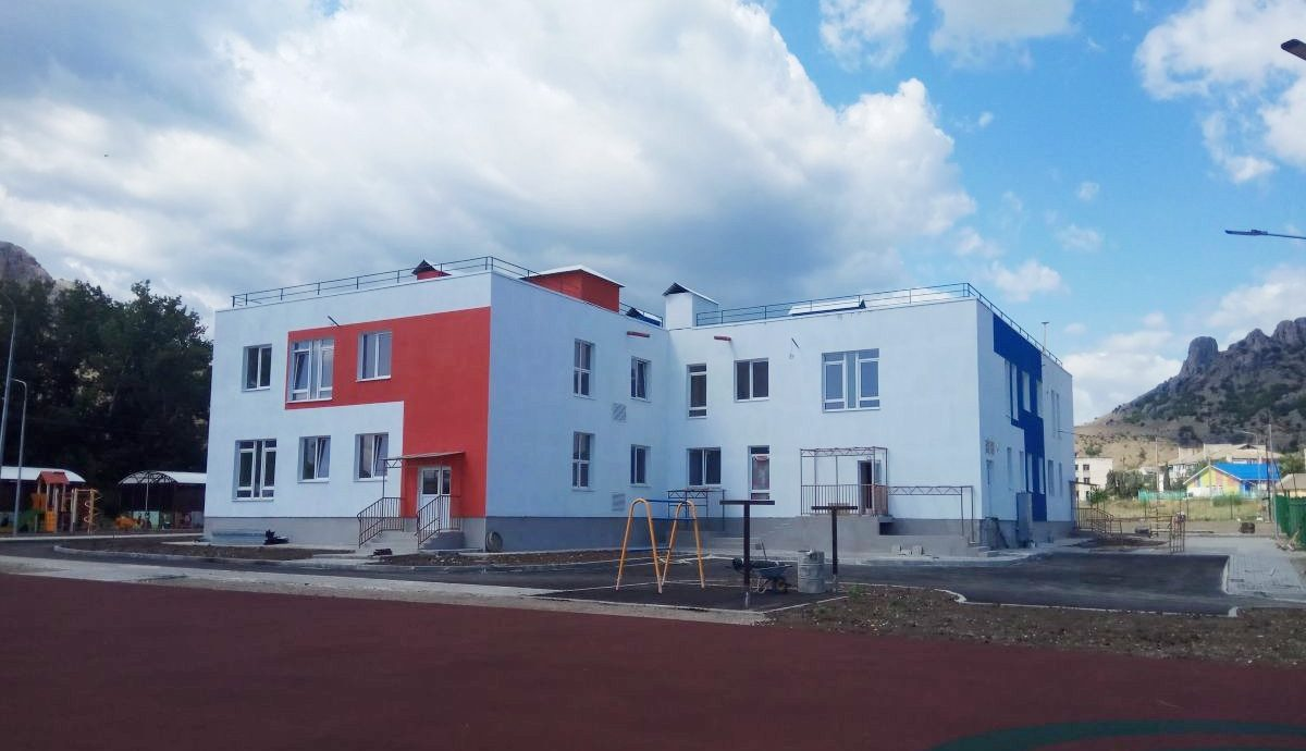 Сотрудники Дирекции проинспектировали строительство социальных объектов в Феодосии и Судаке