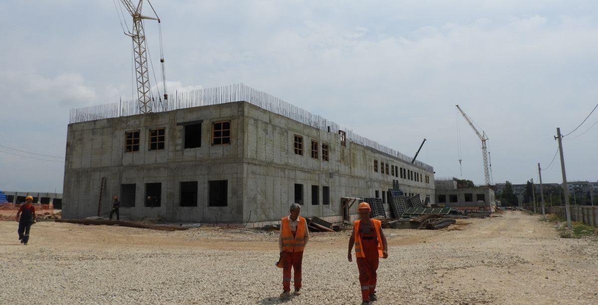 Сотрудники Дирекции проинспектировали строительство социальных объектов в Севастополе