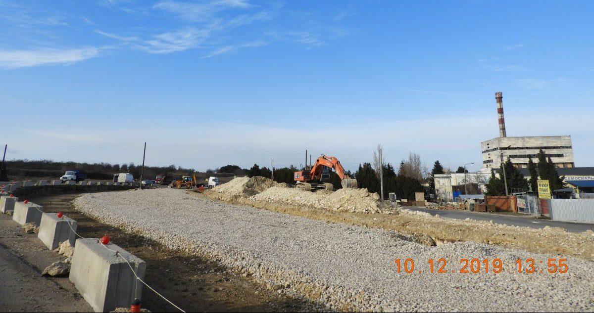 Сотрудники Дирекции проинспектировали реконструируемую автодорогу в Севастополе