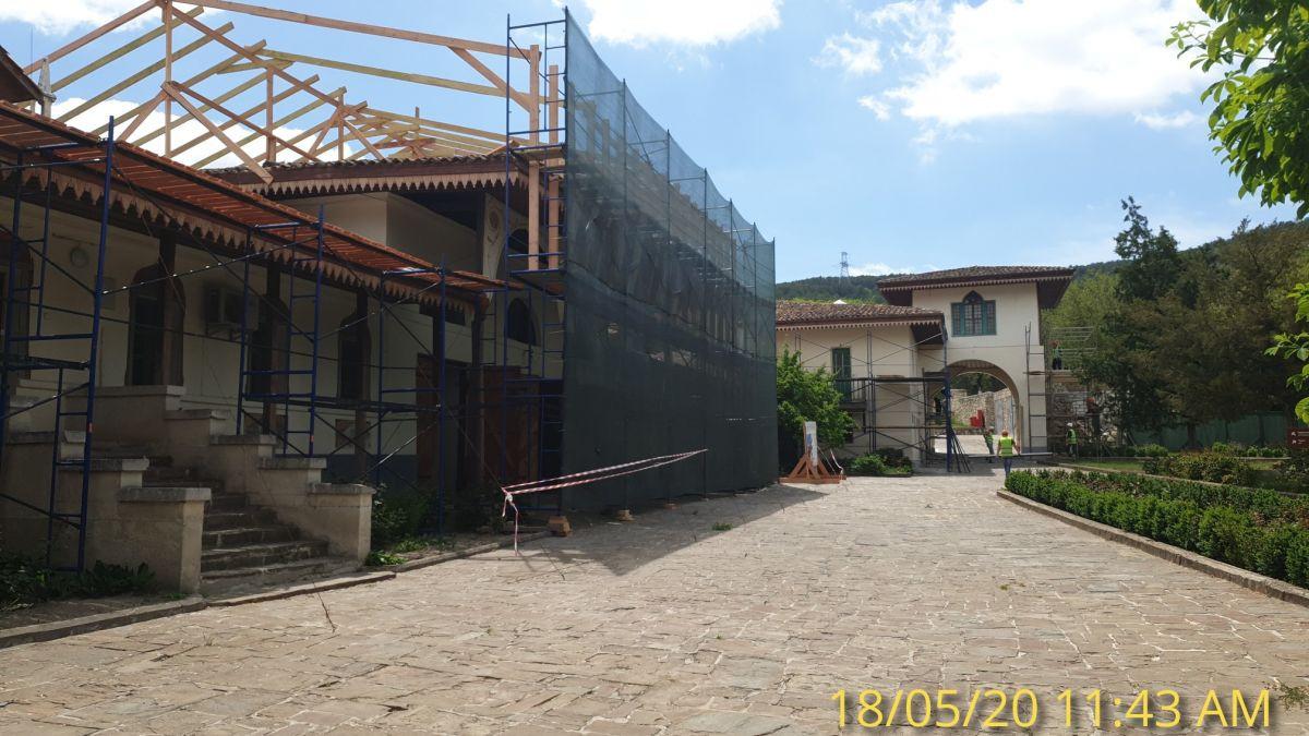 Сотрудники Дирекции проинспектировали ход реставрационных работ в Ханском дворце
