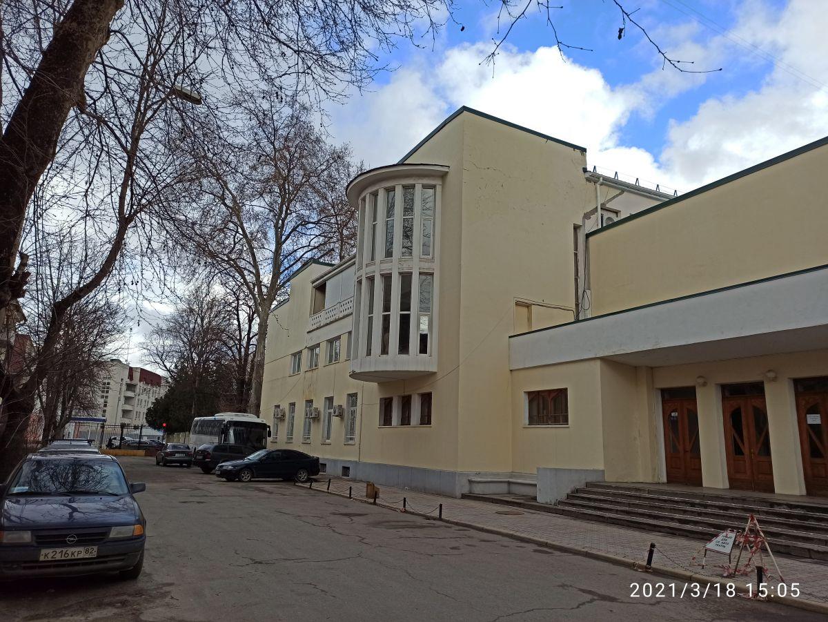 Сотрудники Дирекции проинспектировали крымскотатарский театр